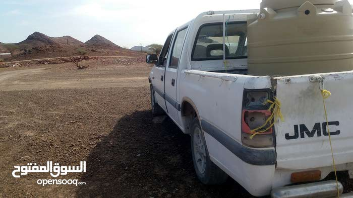 Isuzu Other 2004 For sale - White color