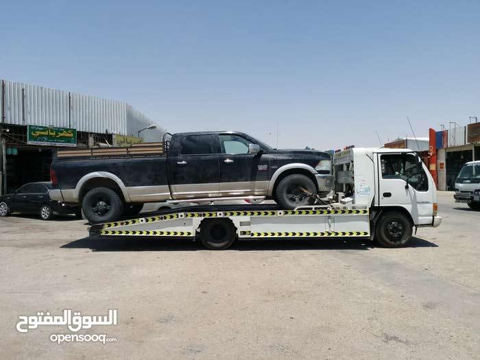 سطحه لنقل السيارات داخل وخارج الرياض