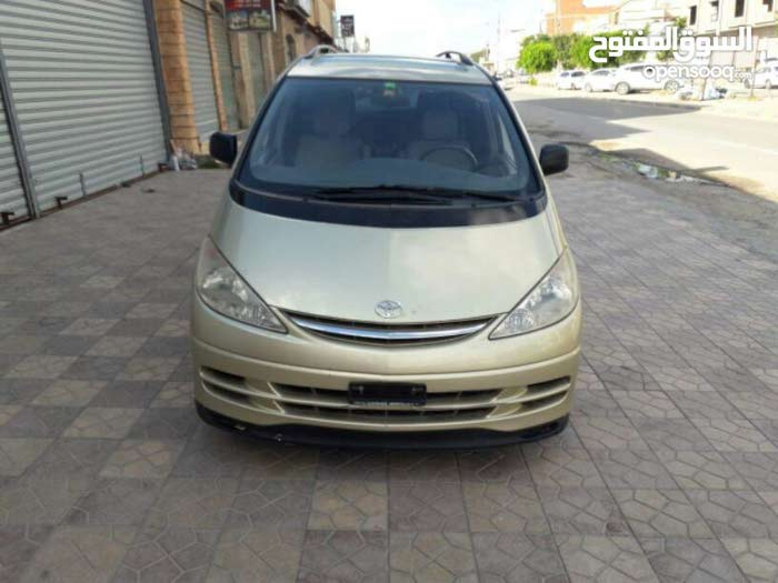 Available for sale! +200,000 km mileage Toyota Previa 2004