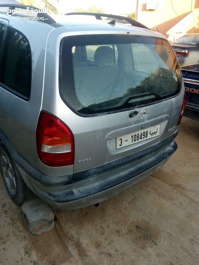 Used Opel Zafira in Misrata