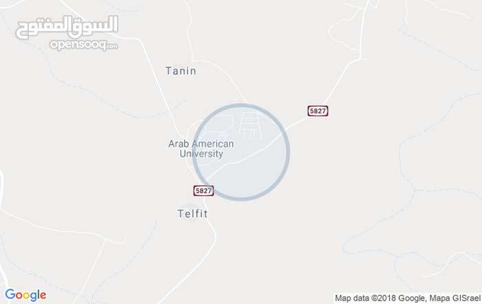 1500 م2  امتار عن سور الجامعة، مثالية لسكنات الجامعة