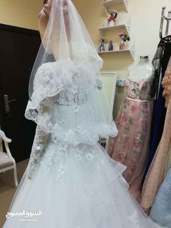 فستان زفاف للإيجار استخدام مره واحده فقط