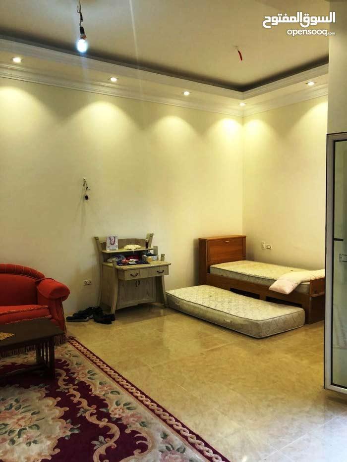 شقة 220م بالياسمين فيلات للايجار السكني