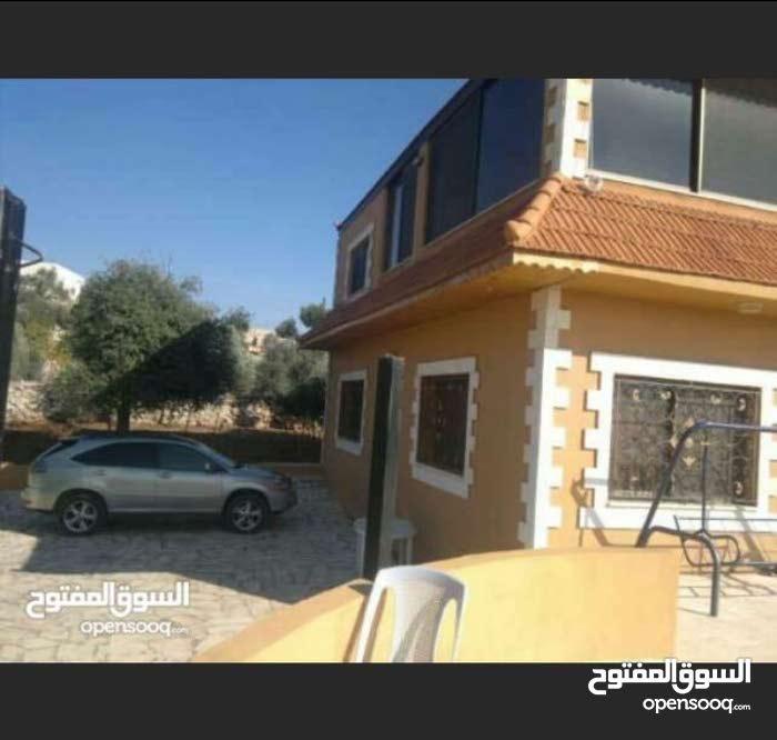 للبيع مزرعه في السلط 7 دونم قرب الجامعه التطبيقيه