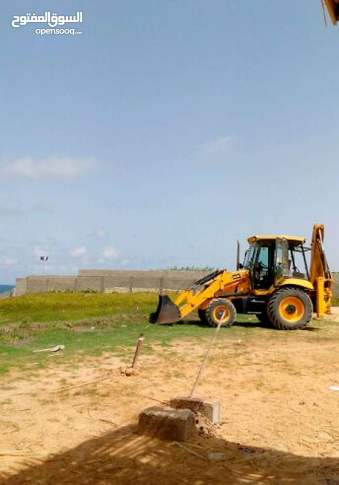 Bulldozer in Tripoli is available for sale