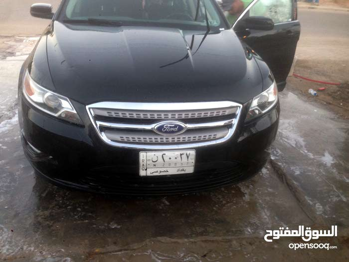Black Ford Taurus 2012 for sale