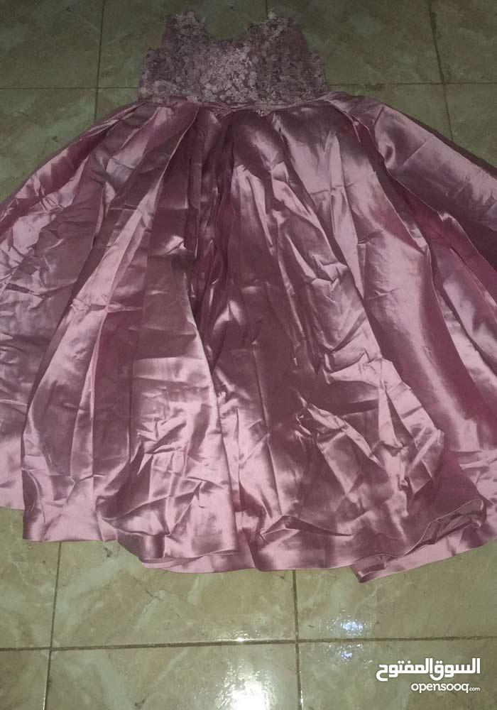 استئجار  فستان 250جنيه مقاس xxl لارج