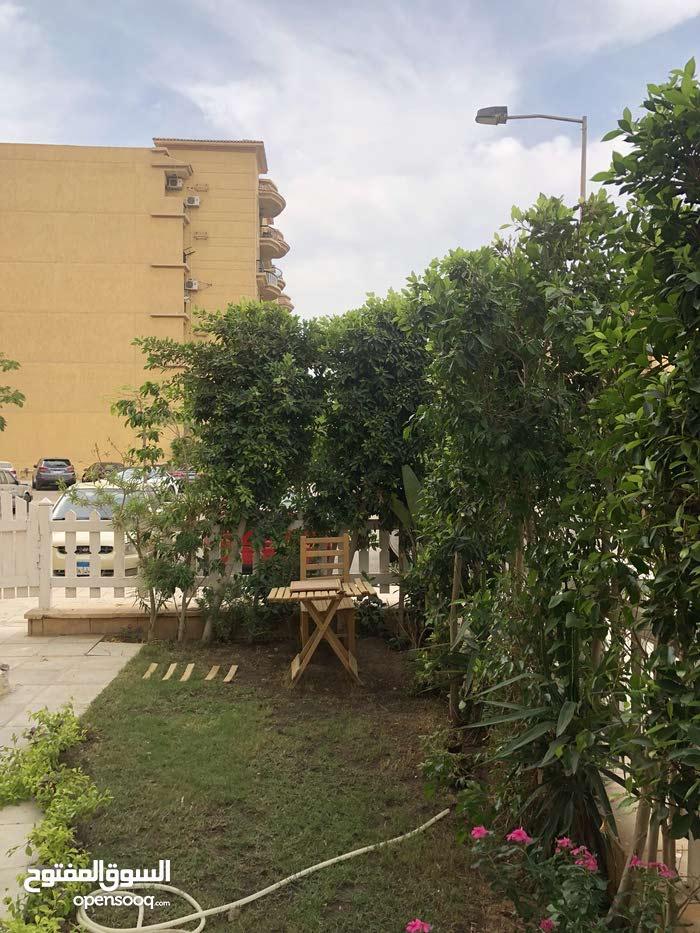 شقة للبيع بالمدينة الرحاب الدور الأرضي بالحديقة # تشطيب خاص / قريبة من السوق الشرقي 2