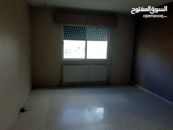 Sports City neighborhood Amman city - 169 sqm apartment for sale