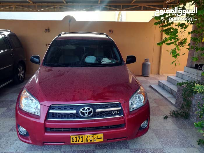 Toyota RAV 4 2010 For sale - Red color
