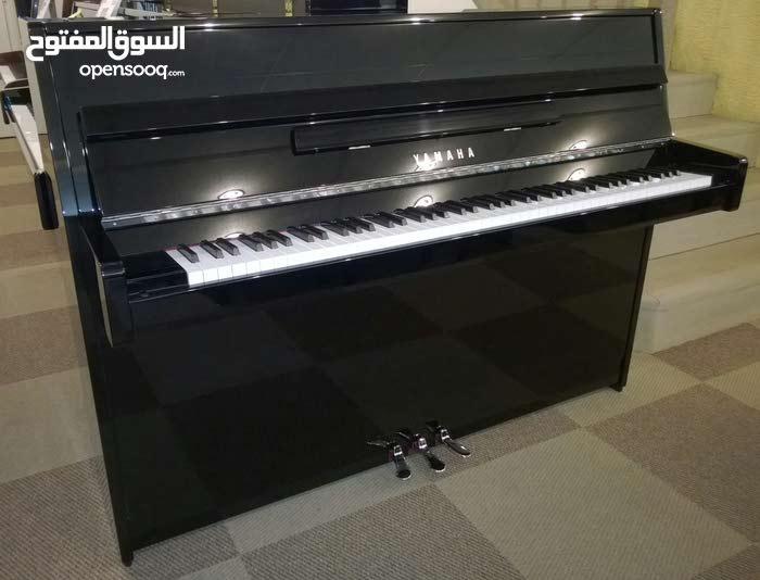 للبيع بيانو صالون YAMAHA P1 جديد