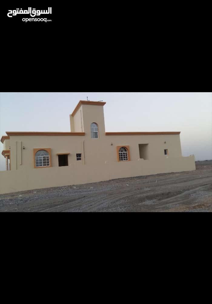منزل للبيع في الواسط وادي المعاول
