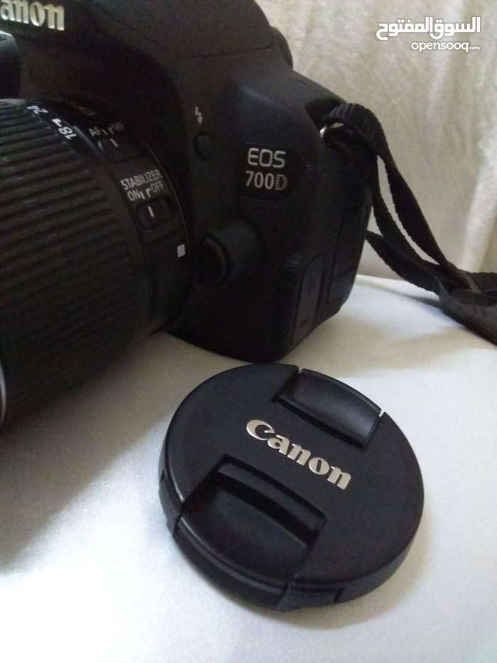 كاميرا كانون D700 جديد استخدمت مرتين بس بـ 270 الف يمني