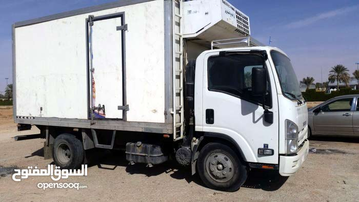 Isuzu Other 2016 For Rent - White color