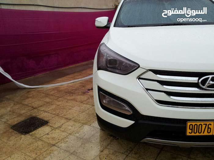 White Hyundai Santa Fe 2013 for sale