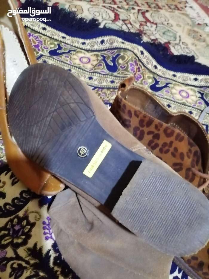 احذية مستعملة بي جوملاة 100 سباط مختلطة