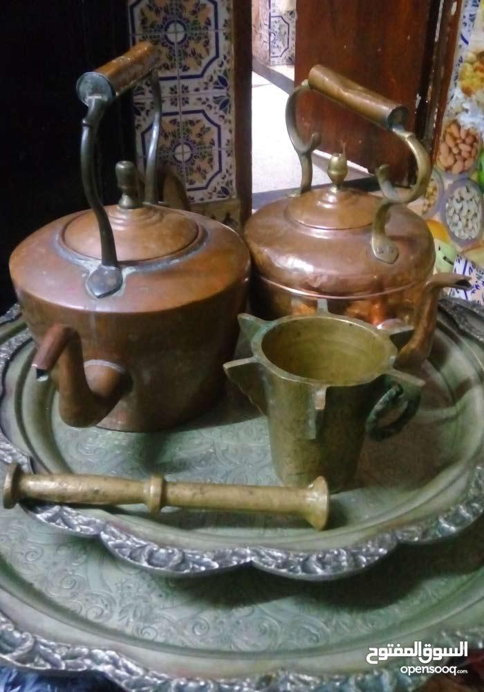 مهراز قديم سواني و دينار واحد قديم لمعمر القدافي