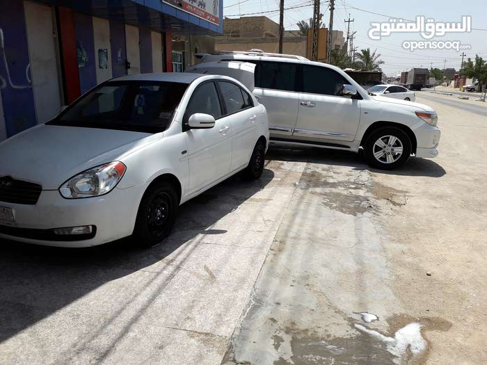 Hyundai Accent 2011 For sale - White color