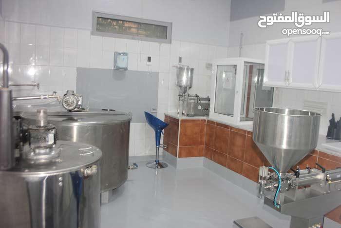 مصنع مستحضرات تجميل ومنتجات البحر الميت في البيادر المنطقه الصناعيه جاهز للعمل