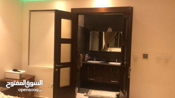 4 rooms  apartment for sale in Amman city Airport Road - Nakheel Village