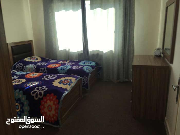 شقة مفروشة جديد قرب البوابة الرئيسية للجامعة الاردنية
