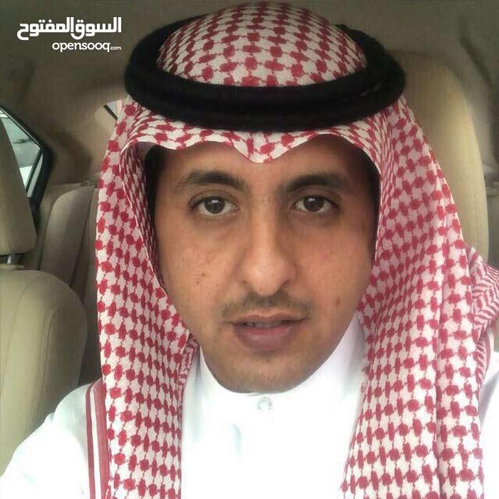 سايق خاص سعودي لتوصيل الطلبات والمشاوير