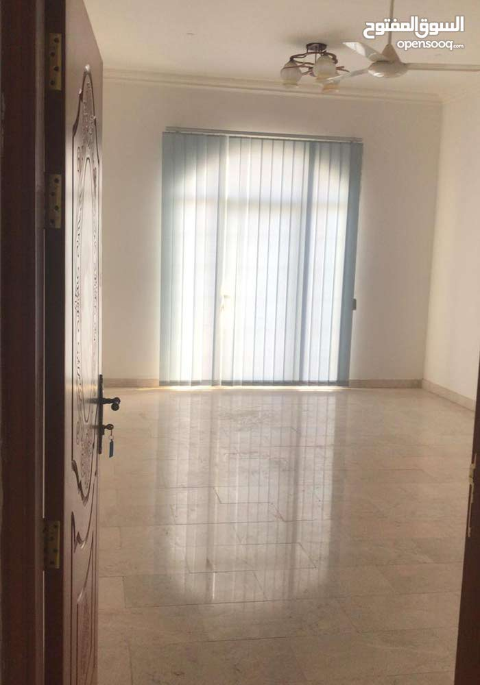 غرف وملاحق للإيجار في بوشر والموالح الحيل