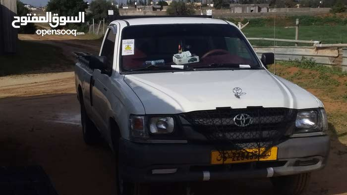 Toyota Hilux car for sale 2004 in Tripoli city