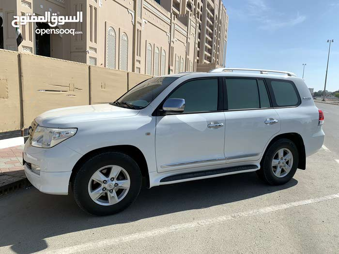 For sale Toyota Land Cruiser car in Fujairah