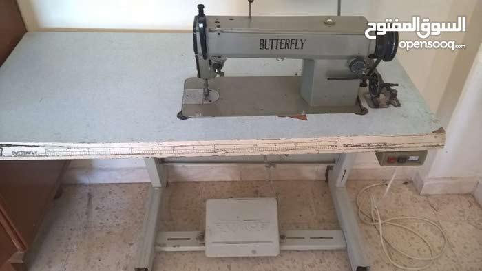 ماكينة خياطة للبيع للبيع مع الطاولة