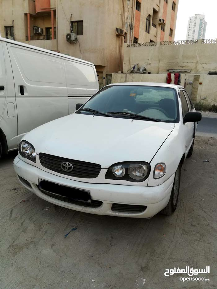 """""""Toyota Corolla 2000 in perfect condition is for sale"""""""