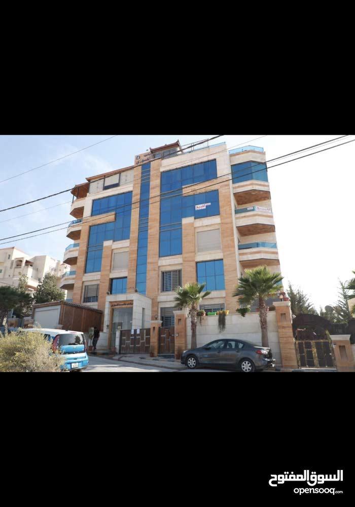 شقة للبيع حي الصحابة (النخيل) موقع مميز وإطلالة رائعة