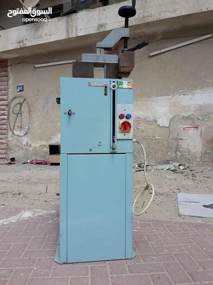 عجمان منشار ألمنيوم صناعه إيطالي مستعمل قياس 400