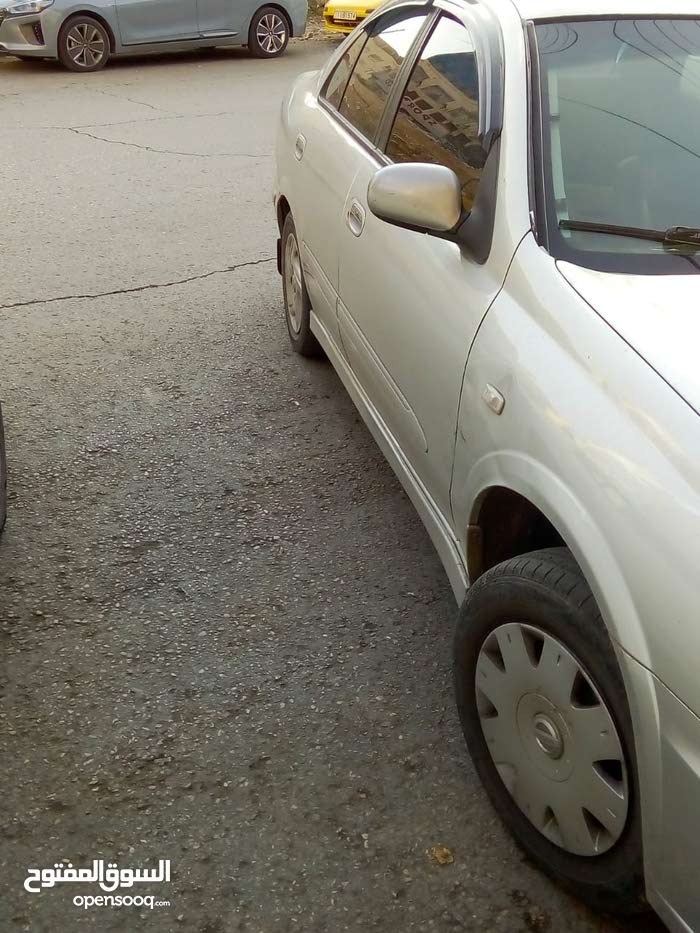 Manual Nissan 2001 for sale - Used - Amman city