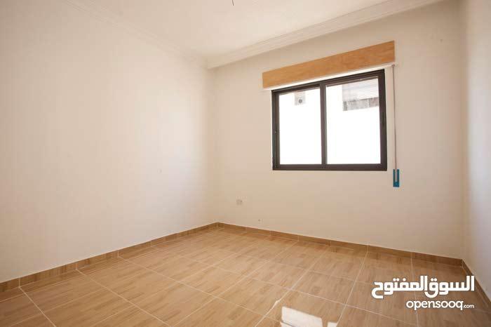 شقة 102م بموقع مميز على شارعين في ابو علندا الجديدة