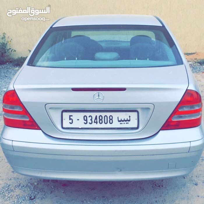+200,000 km Mercedes Benz C 200 2002 for sale