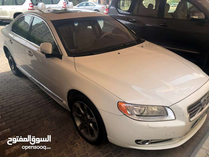 Automatic Volvo 2012 for sale - Used - Al Ahmadi city