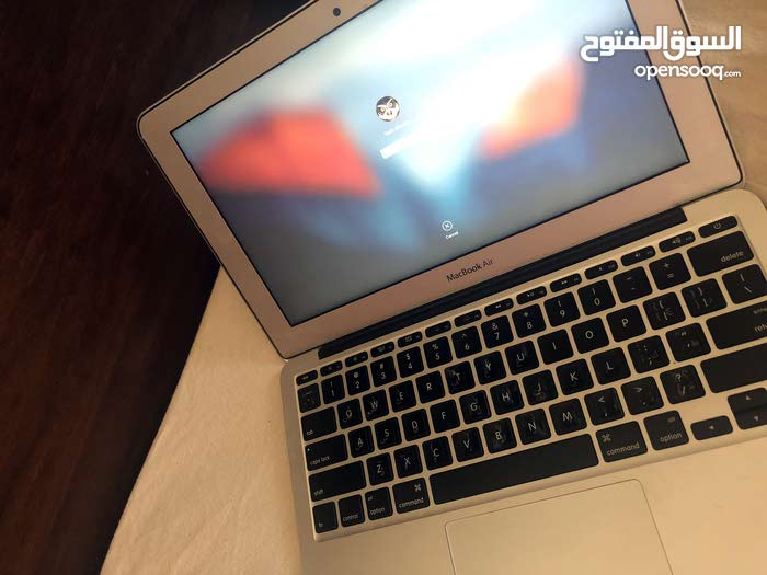 Macbook Air (11 inch, 2012)
