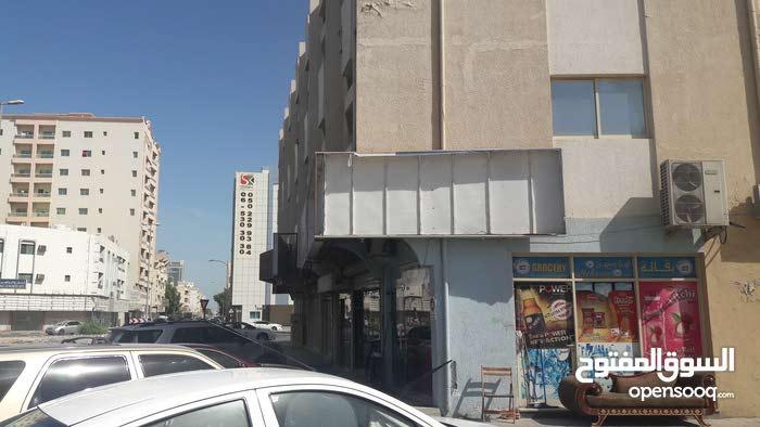 محل تجاري للايجار بعجمان منطقه الرميله