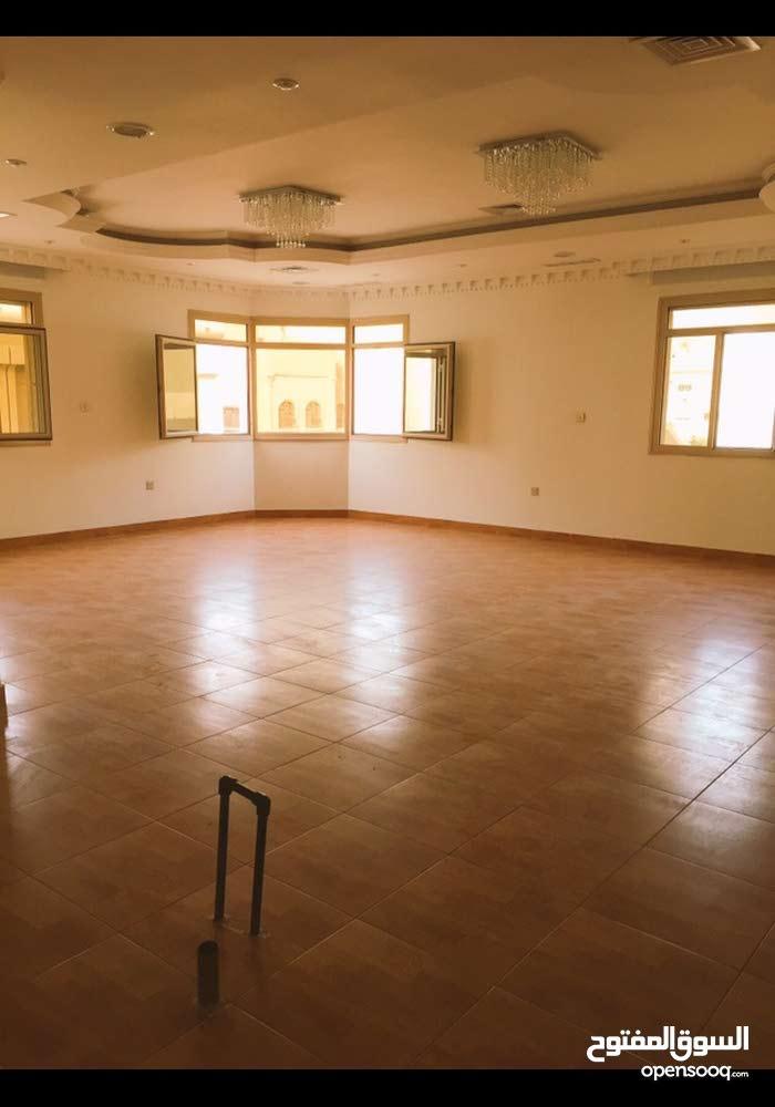 450 sqm  apartment for rent in Al Ahmadi