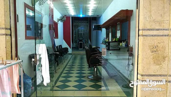 محل للبيع بشارع رضوان بالهانوفيل امام شارع النموزجية مجهز صالون للرجال 40 متر