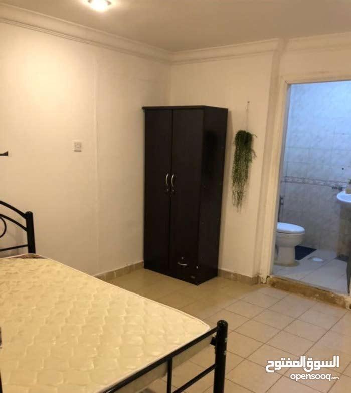 استوديو غرفة وحمام شامل كهرباء وماء شارع المثنى