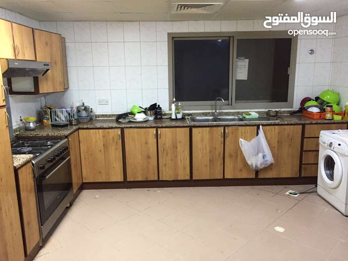 Rooms/ bed space for couple and ladies only (Indian &srilankan)BUR DUBAI
