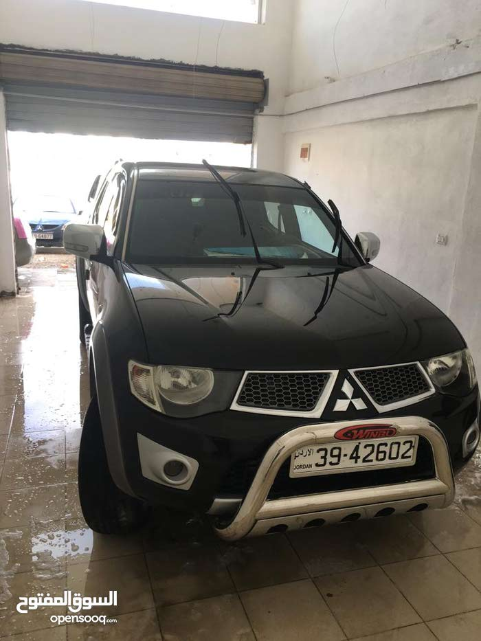 Automatic Mitsubishi 2012 for sale - Used - Al Karak city