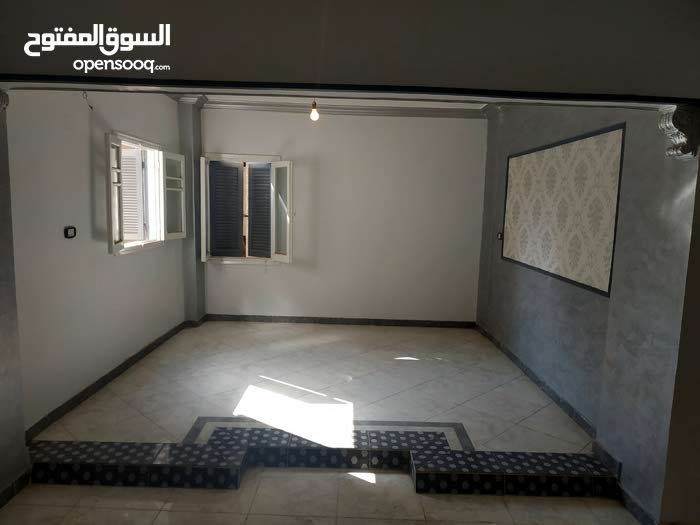 apartment in building 10 - 19 years is for sale Gharbia
