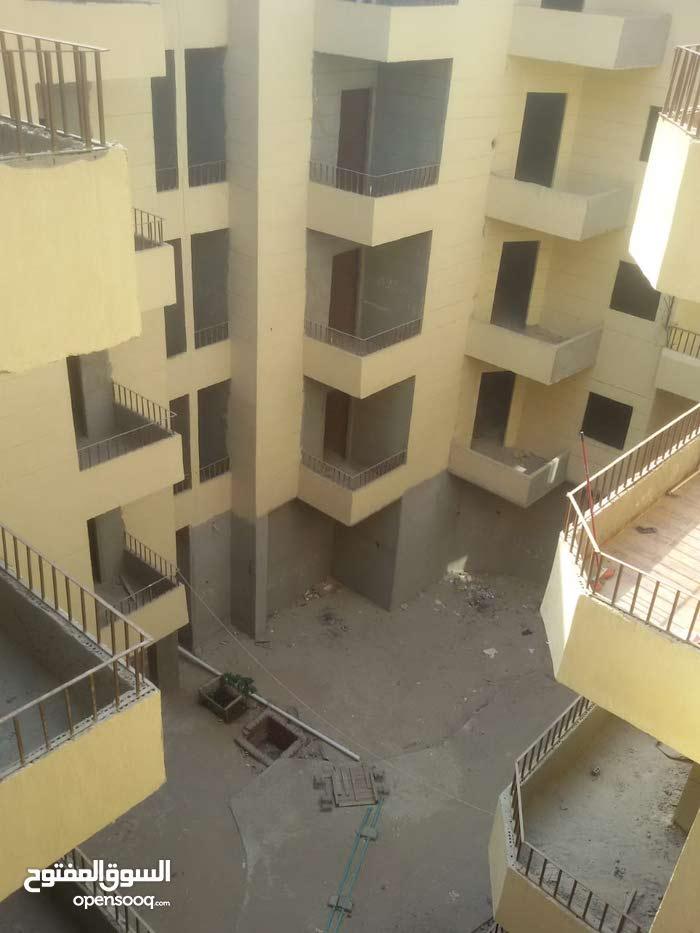 استلام فورى شقة 116 م في كمبوند بشارع الحجاز الرئيسي بالغردقة