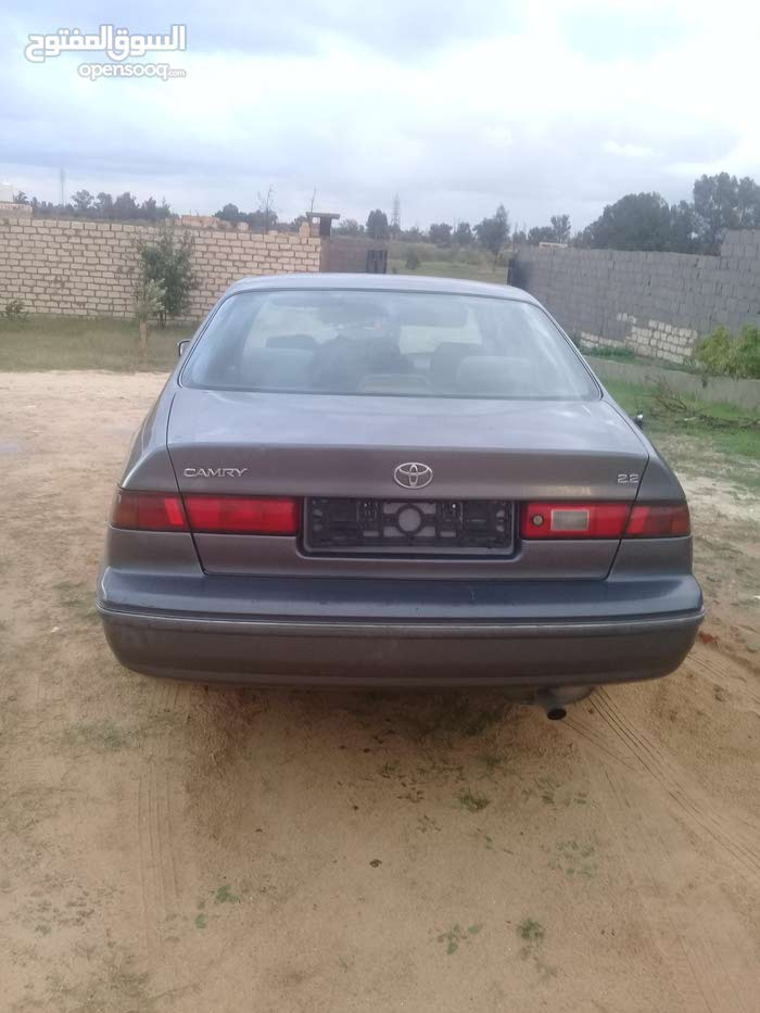 Grey Toyota Camry 1998 for sale