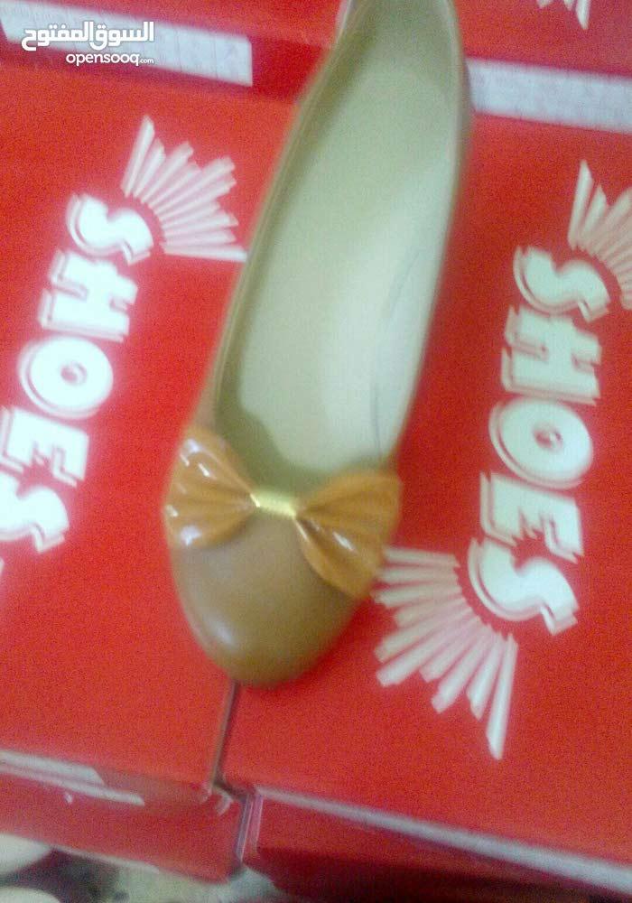 احذية نساءية وبناتي