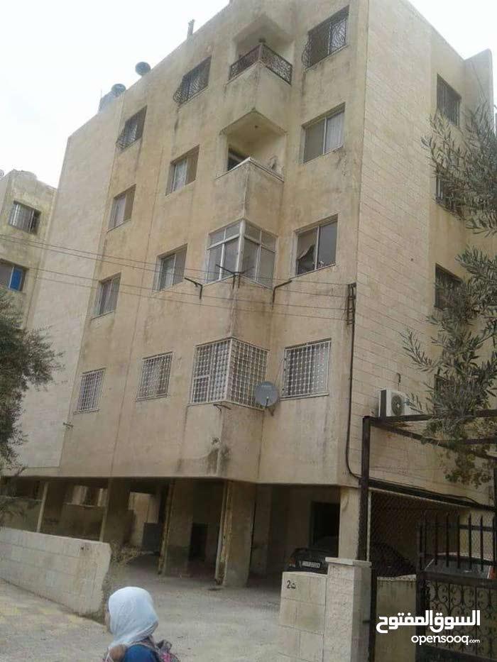 """شقة مميزة للبيع طابق رابع روف """" 205 """" متر الدور الرابع"""