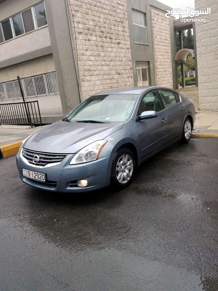 Automatic Nissan Altima 2011